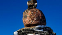 Link to: Inuksuit on the railroad